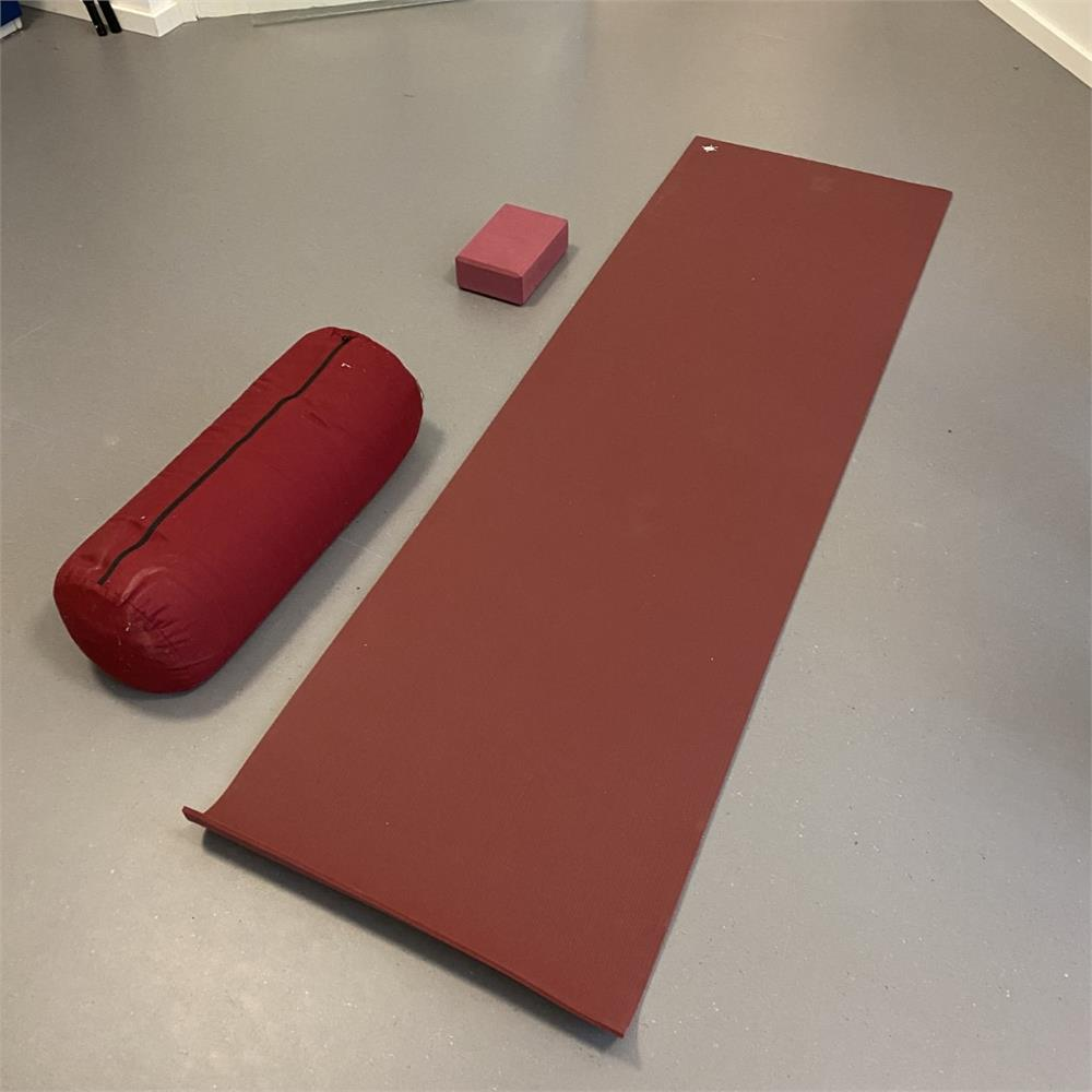 1 Posten Yoga-Equipment Kurma